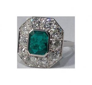 Art Déco Emerald Diamond Ring