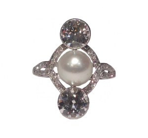 Art Déco Ring with cultured Pearl and Diamonds