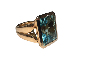Fine Aquamarine Ring