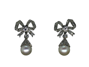 Vintage Earrings in Platinum